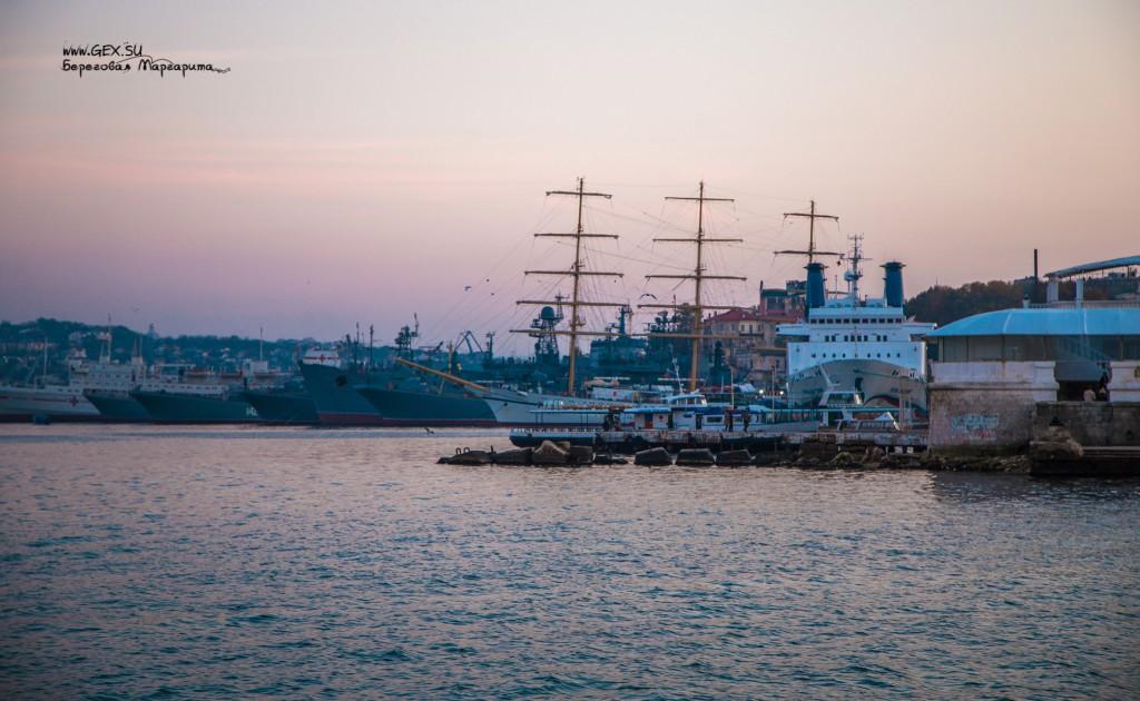 Вечер в корабельной бухте