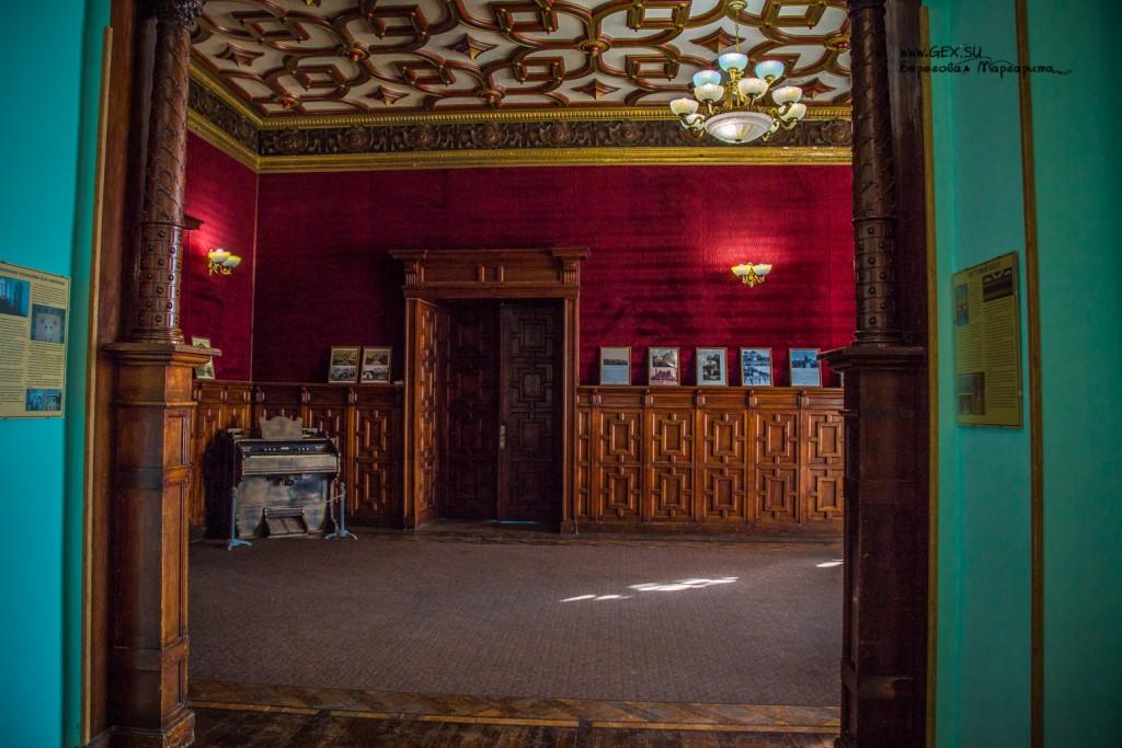 Гостинная комната Дачи Стамболи