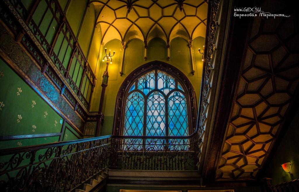Окно на Даче Стамболи