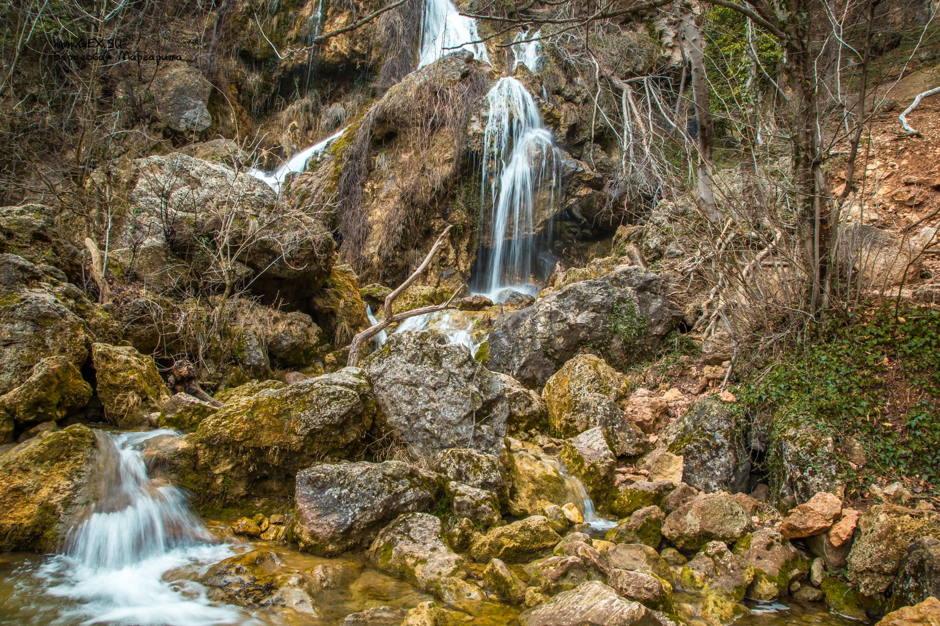 Водопад Су-Учхан у красных пещер