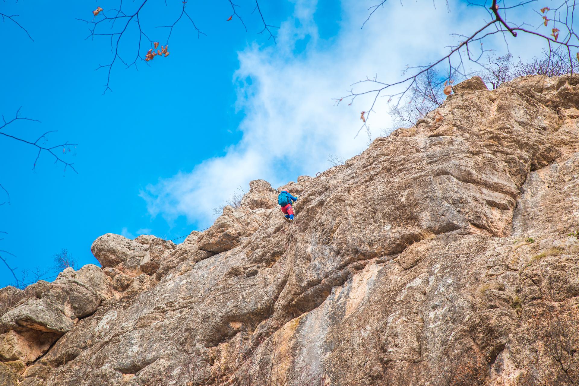 Виа Феррата на красных пещерах