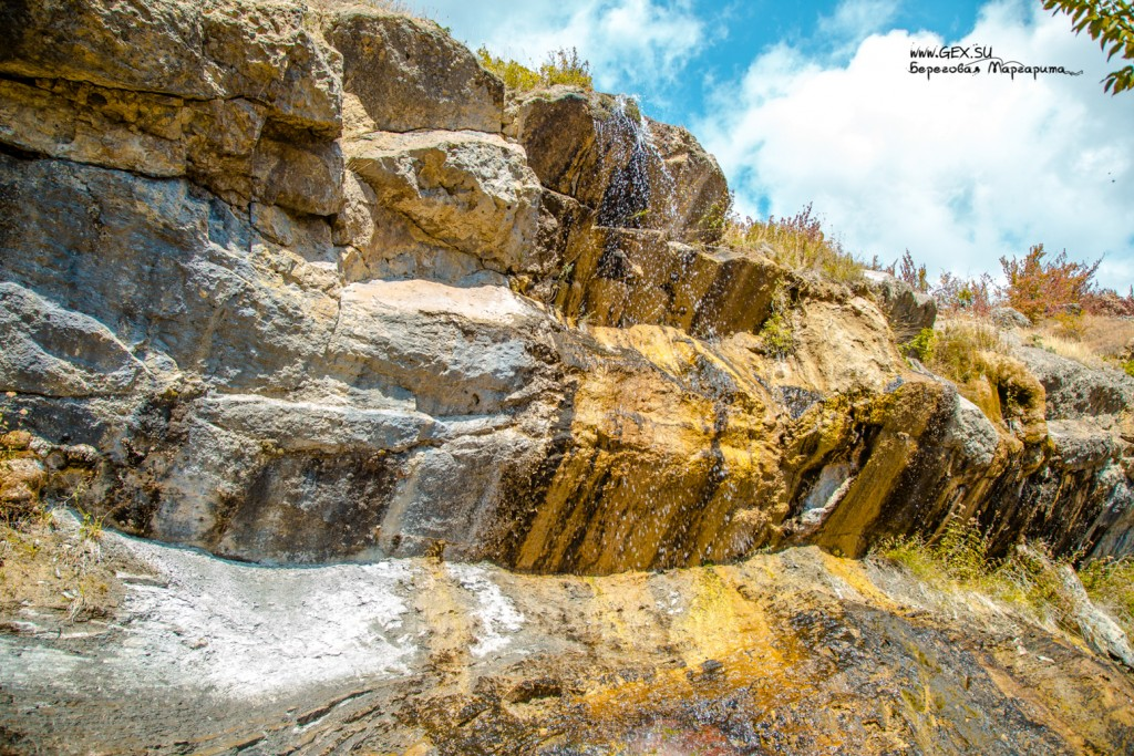 Арпатский водопад в Зеленогорье