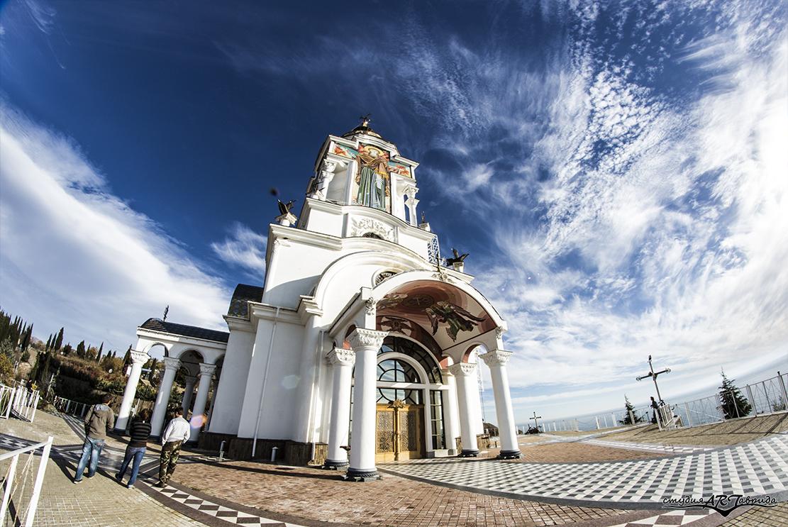 Храм Св. Николая Мирликийского
