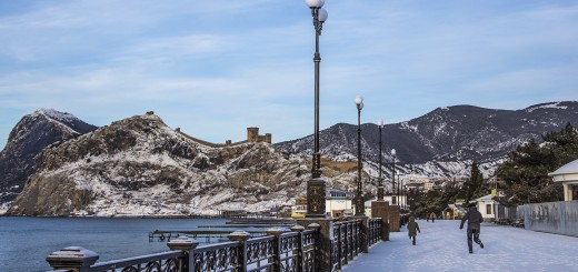 Снег в Судаке