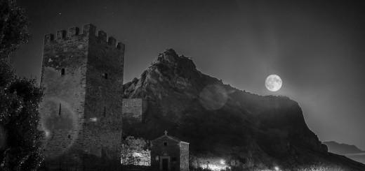 луна в судаке