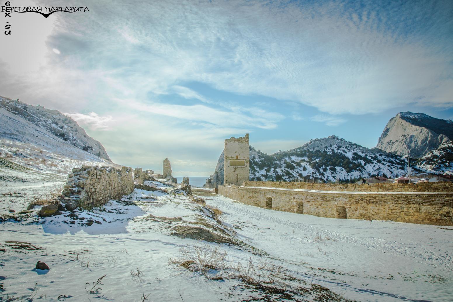 Генуэзская крепость зимой