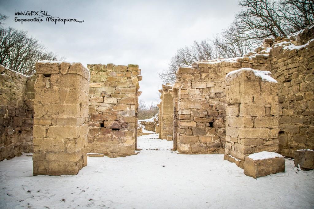 средневековый Храм рядом с Судаком