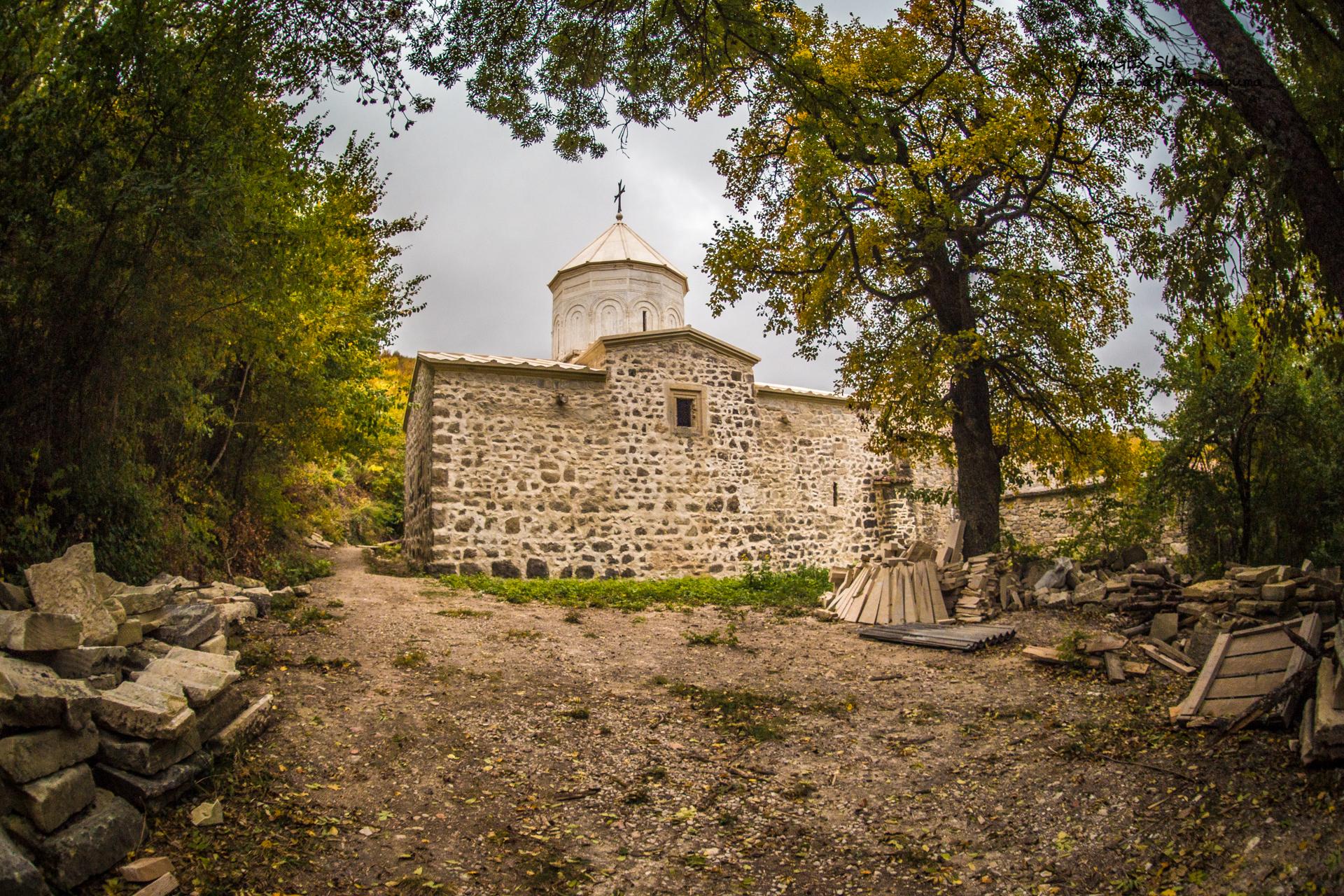 Храм в Монастыре Сурб Хач