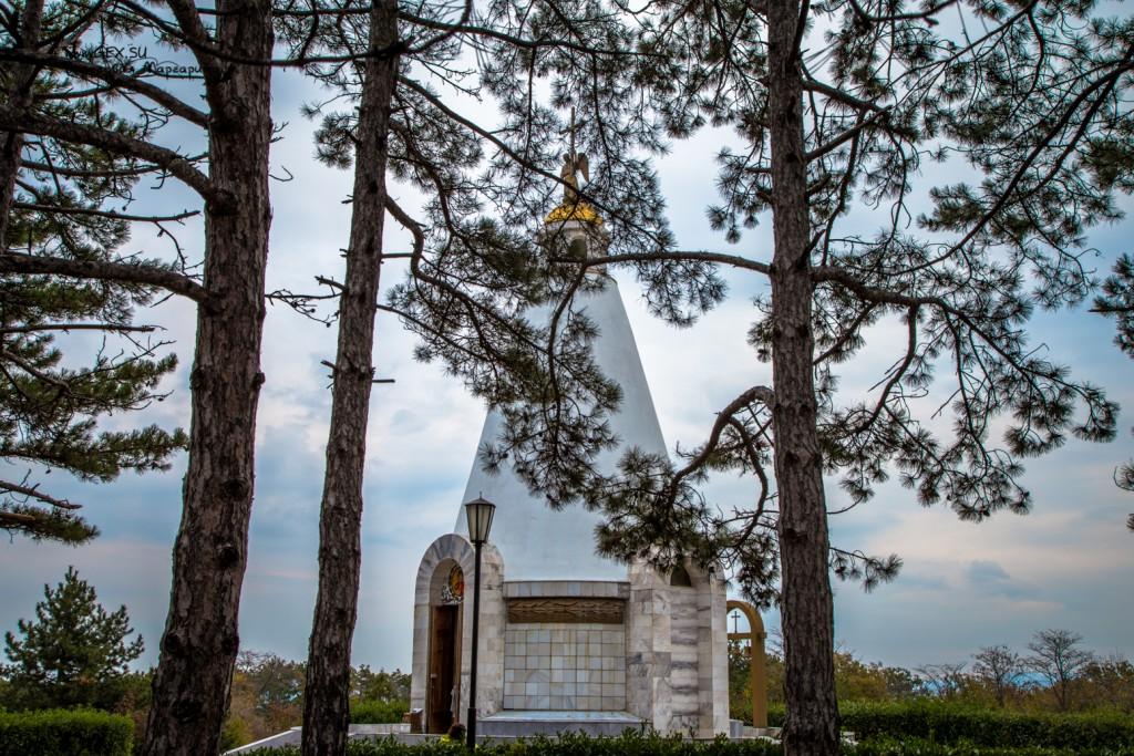 Храм-часовня Святого Георгия Победоносца на Сапун горе
