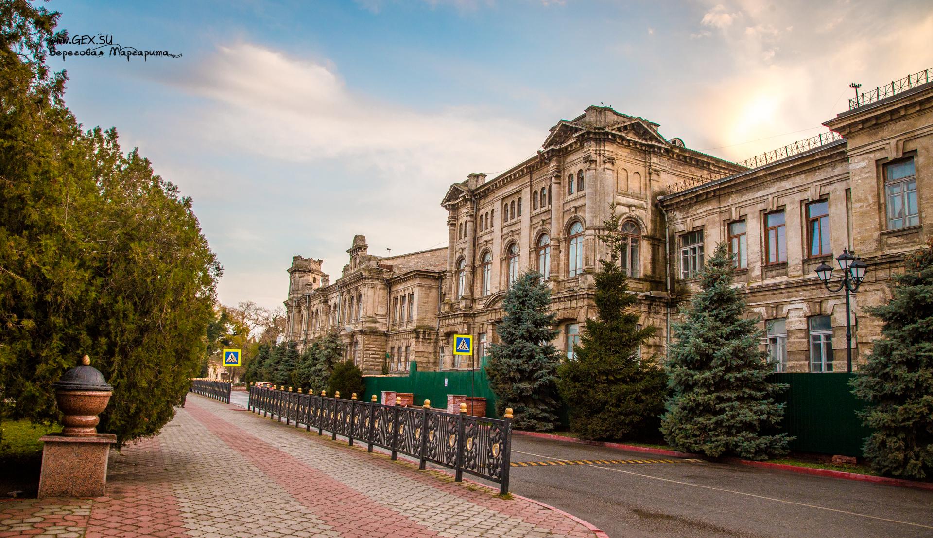 Романовская женская гимназия в Керчи